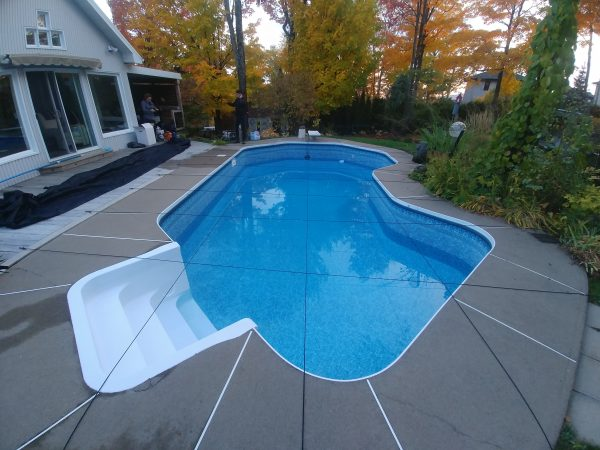 corde élastique pour piscine creusée