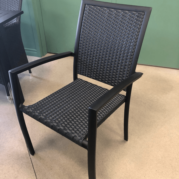 Chaise en rotin et aluminium