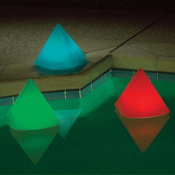 pyramide-LED-flottante-multi_couleurs-accessoire-piscine