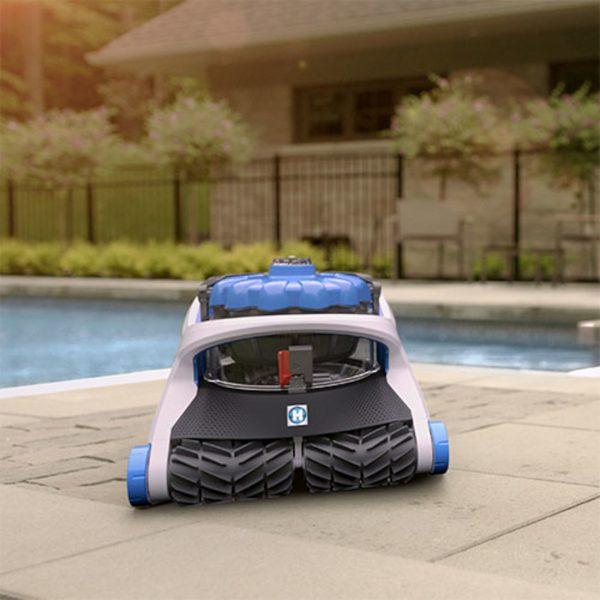 aquavac_650-robot-nettoyeur-piscine-concept_piscine_design
