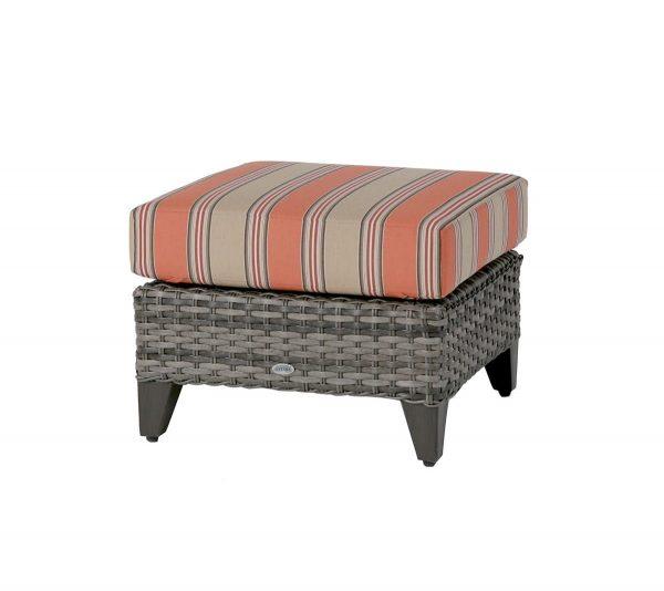 pouf_exterieur-st_martin_pouf-meuble_exterieur-concept_piscine_design