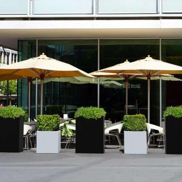 pot_fleur-fyor-grand-blanc-noir-decoration_exterieur-concept_piscine_design