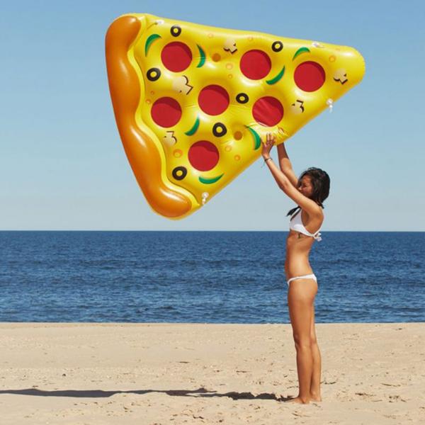 matelas-gonflable-pizza-jeu-piscine-plage-concept_piscine_design