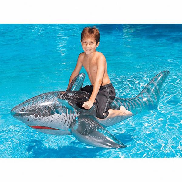 jeux_piscine-requin-gonflable-shark_float-concept_piscine_design